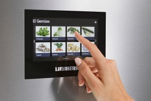 liebherr-touch-display-bluperformance