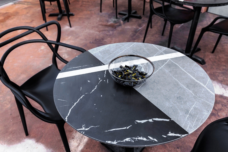 Neolith Food and roll, mesas