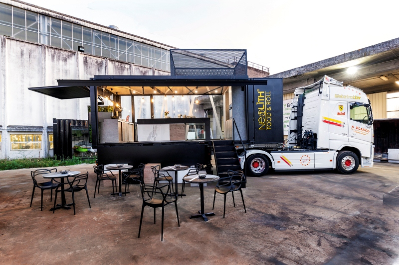 Neolith food and roll_camion