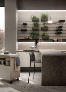 - Las plantas dejan de ser tan solo ornamentales para además convertirse en un pequeño huerto ecosostenible dentro de nuestra cocina.